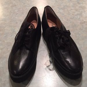 Tata walk in the way of love black leather shoes